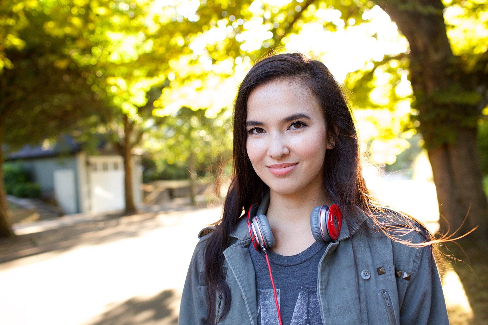 Asian-American teenager-with-headphones_Robert-Holland
