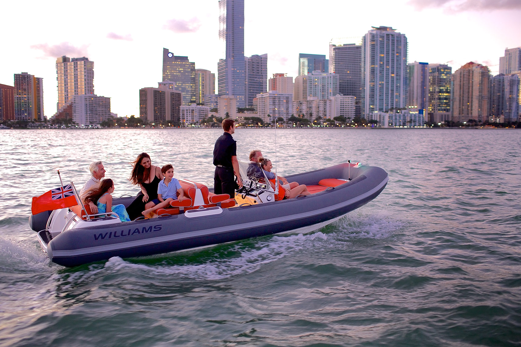 _MG_3732-Yacht-tender-with-passengers-at-dusk_Miami,-FL_Robert-Holland