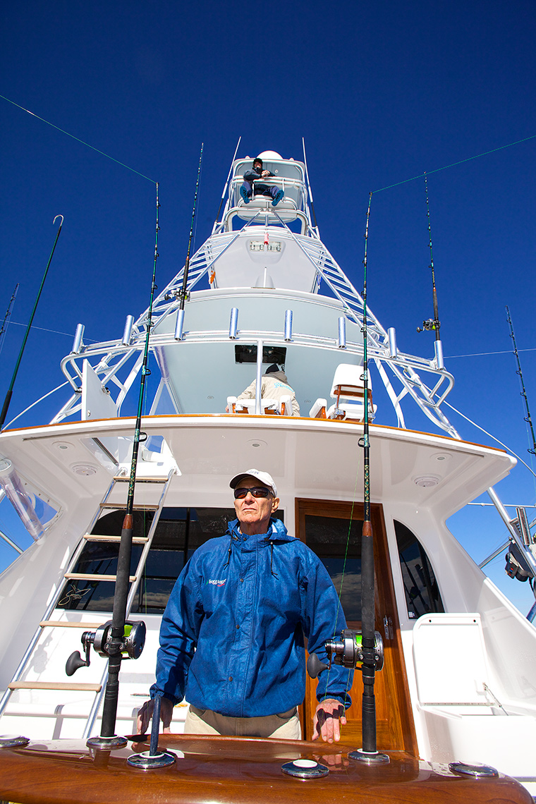 sportfishing-for-sailfish-off-Florida,-view-of-spotter-and-tower-aboard-60-foot-fishing-yacht_Robert-Holland